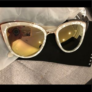 Quay My Girl sunglasses in pearl/gold